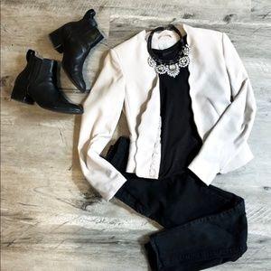 H&M Scallop Fitted Open Blazer in Stone / Cream